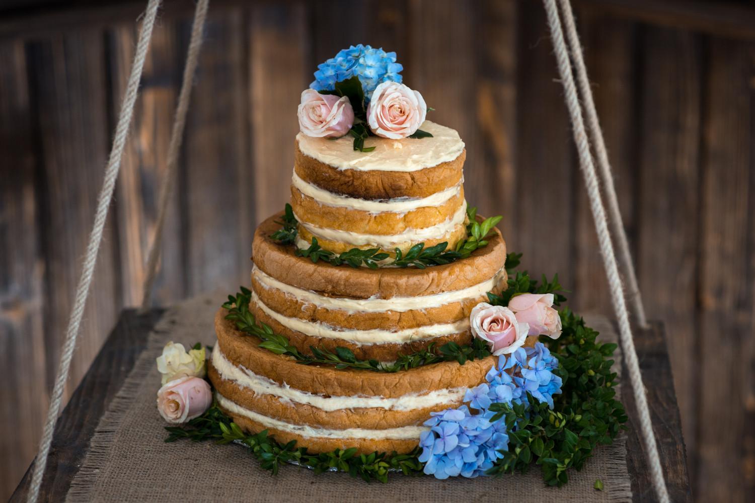 The Naked Wedding Cake: Should Yours Take It All Off?