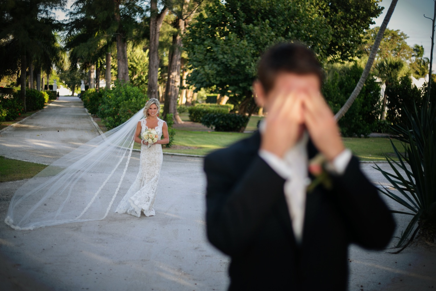 Should The First Look Photo Be A Part Of Your Wedding Photography Package