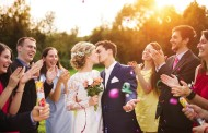 Tips for Evening Out an Odd-Numbered Wedding Party in Your Photos