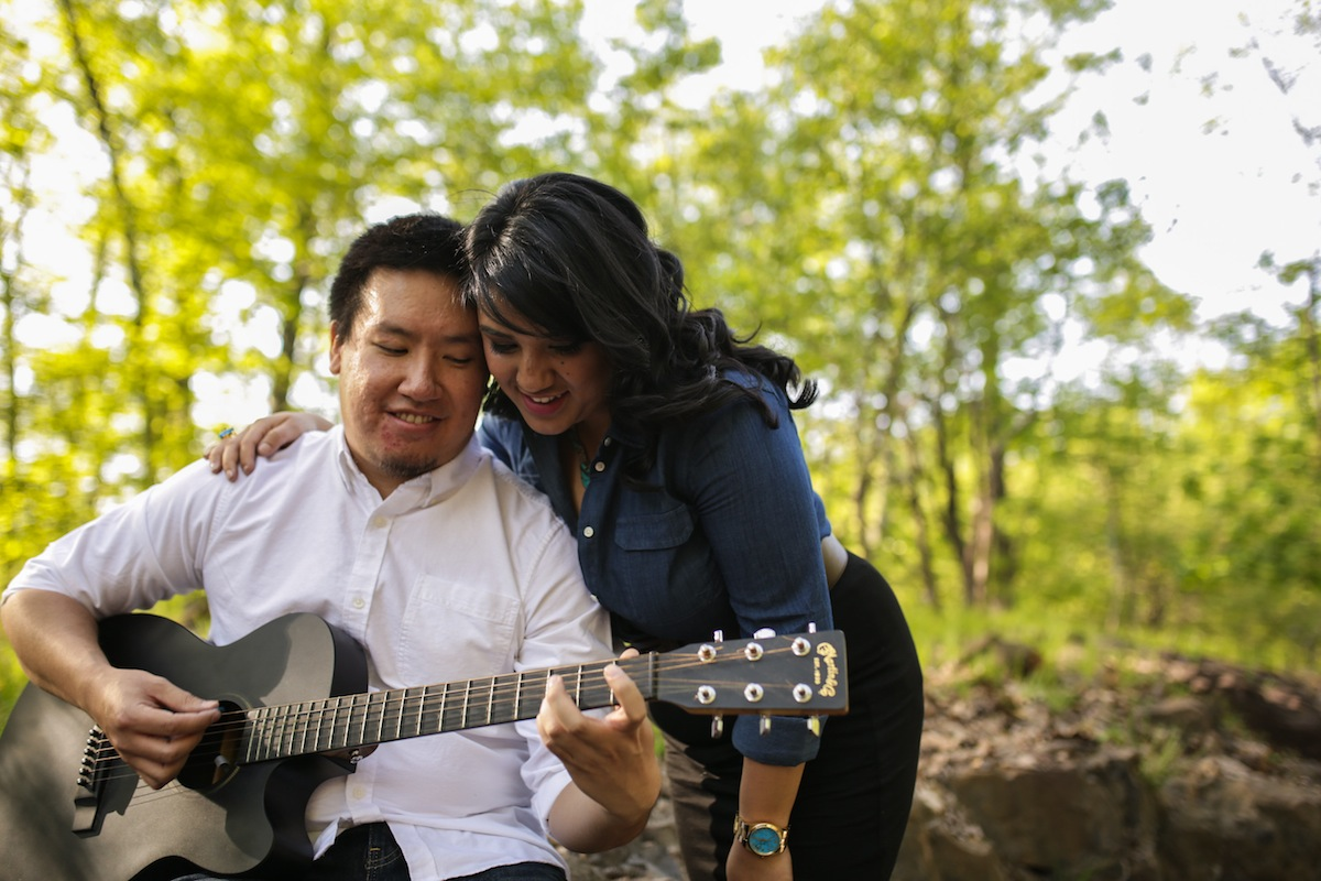 engaged-couple-guitar-wedding-photo-nj-photography