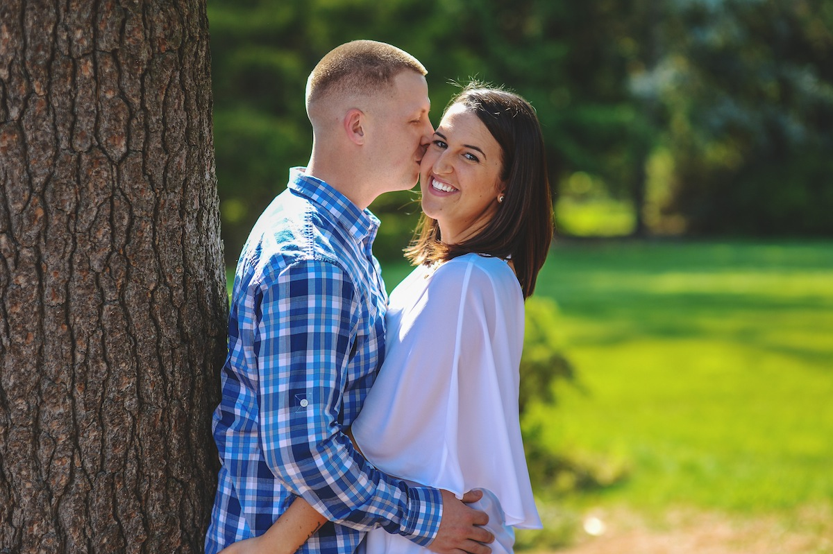 tommy-colleen-tree-grass-engagement-photos-nj