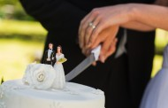 How to Get Great Cake-Cutting Photos on Your Wedding Day