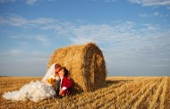Wedding Photography Trend Alert: Hay's Not Just for Horses Anymore