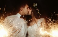 Tips & Ideas for Getting the Nighttime Wedding Photos You've Been Dreaming Of