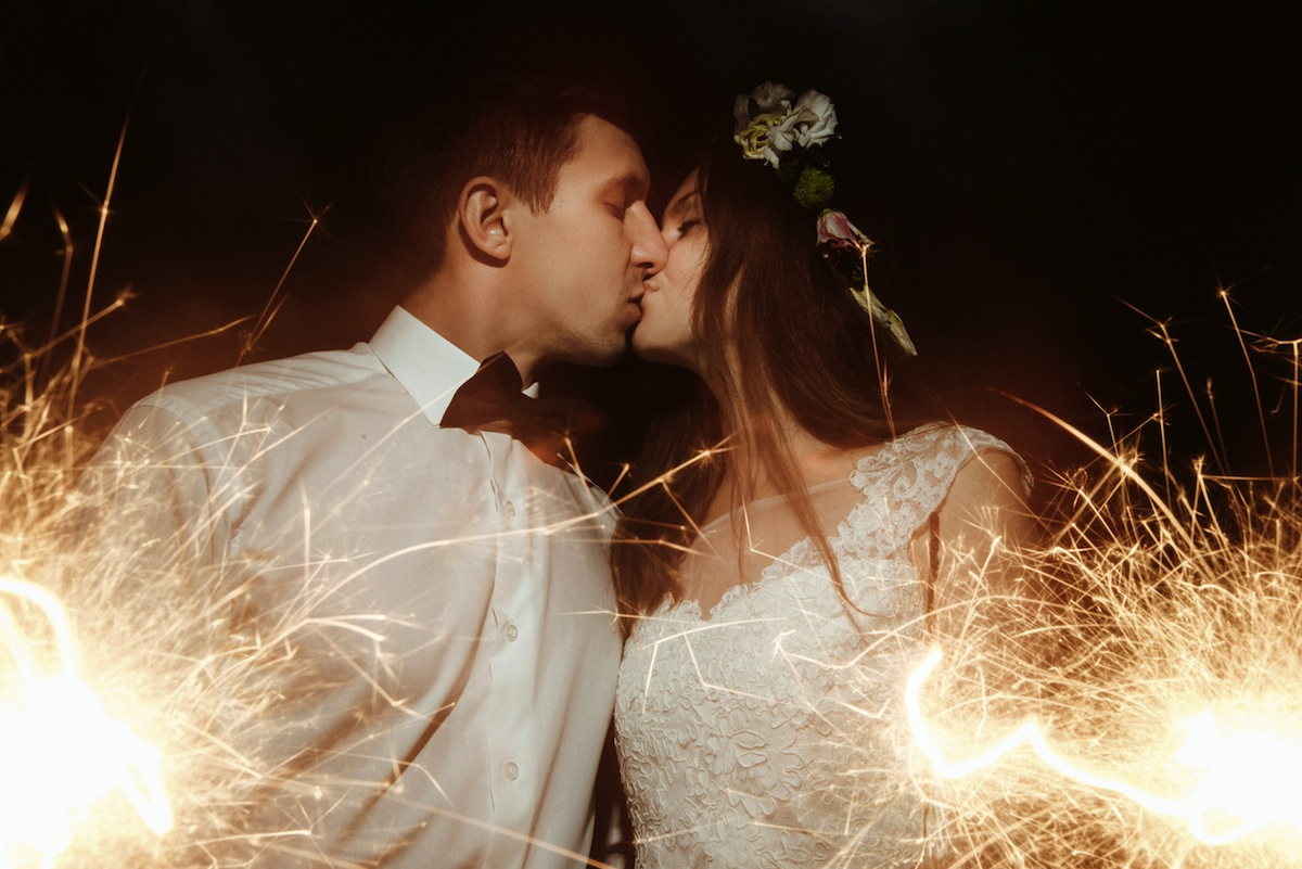 Tips Ideas For Getting The Nighttime Wedding Photos You Ve Been Dreaming Of