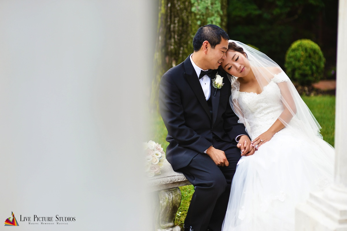 How to Make Your Wedding Photos More Personal