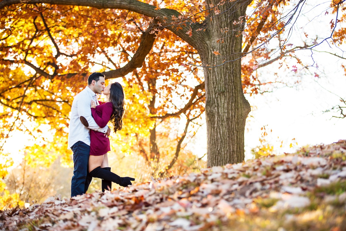 jason-kissing-stephani-by-tree-in-park-nj-engagement-photography