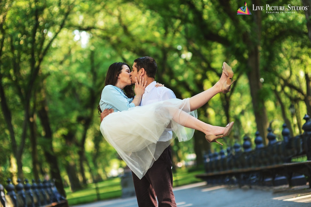 billy-holding-and-kissing-cece-in-central-park-wedding-photography-nyc