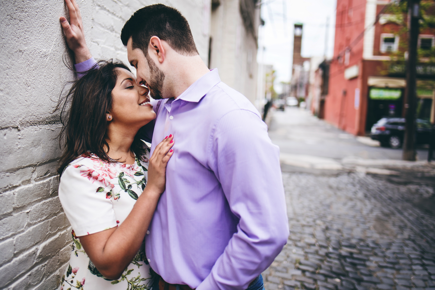 stephanie-&-charles-against-wall-engagement-photography-nj