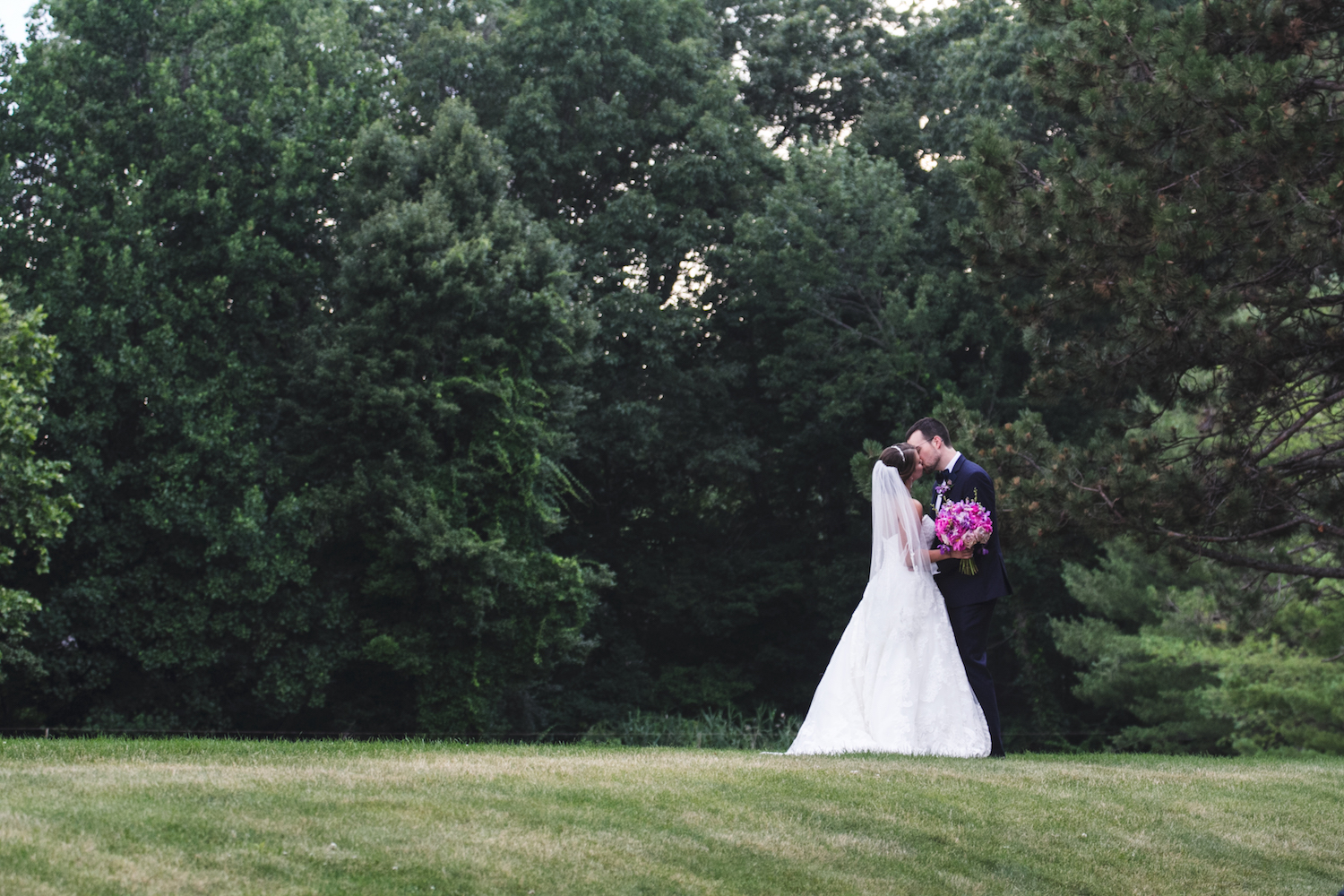 samantha&mike-kissing-in-field-nj-wedding-photography