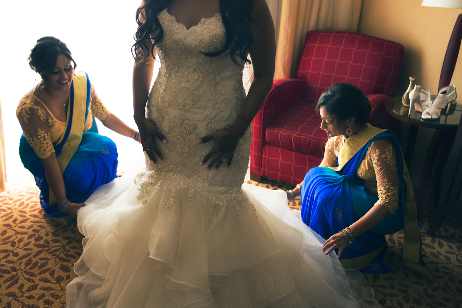 sherry-bride-prep-with-bridesmaids-nj-wedding-photography