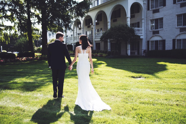 joey&christine-walking-grass-hotel-nj-wedding-photography