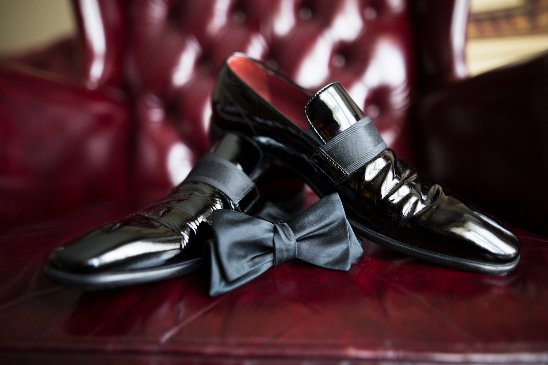 joeys-shoes-bowtie-groom-prep-wedding-photography-nj