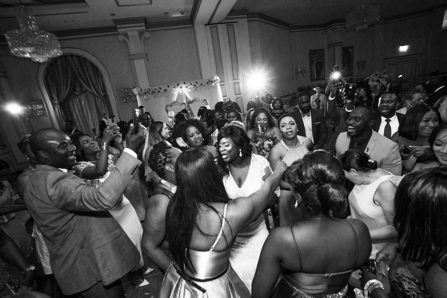 anita-dancing-with-guests-nj-wedding-photography