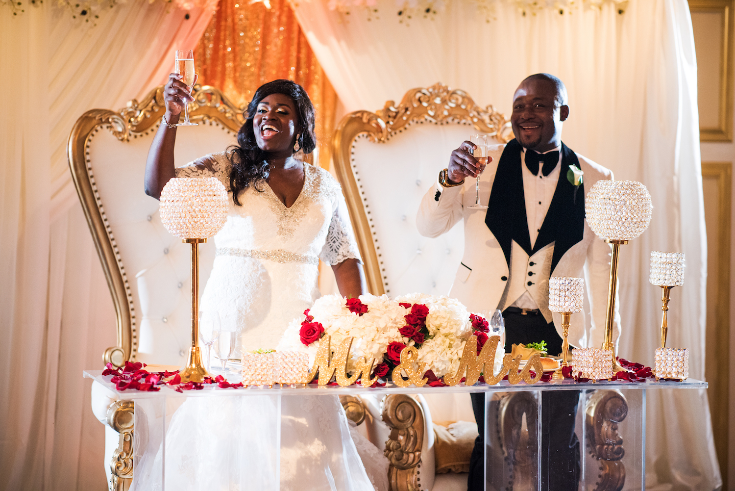 anita&dela-toast-sweetheart-table-wedding-photography-nj
