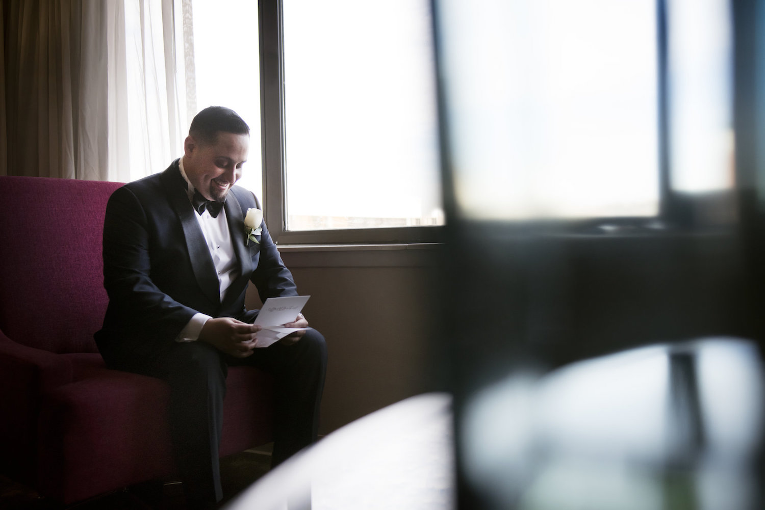 alejandro-reading-card-groom-prep-nj-wedding-photography