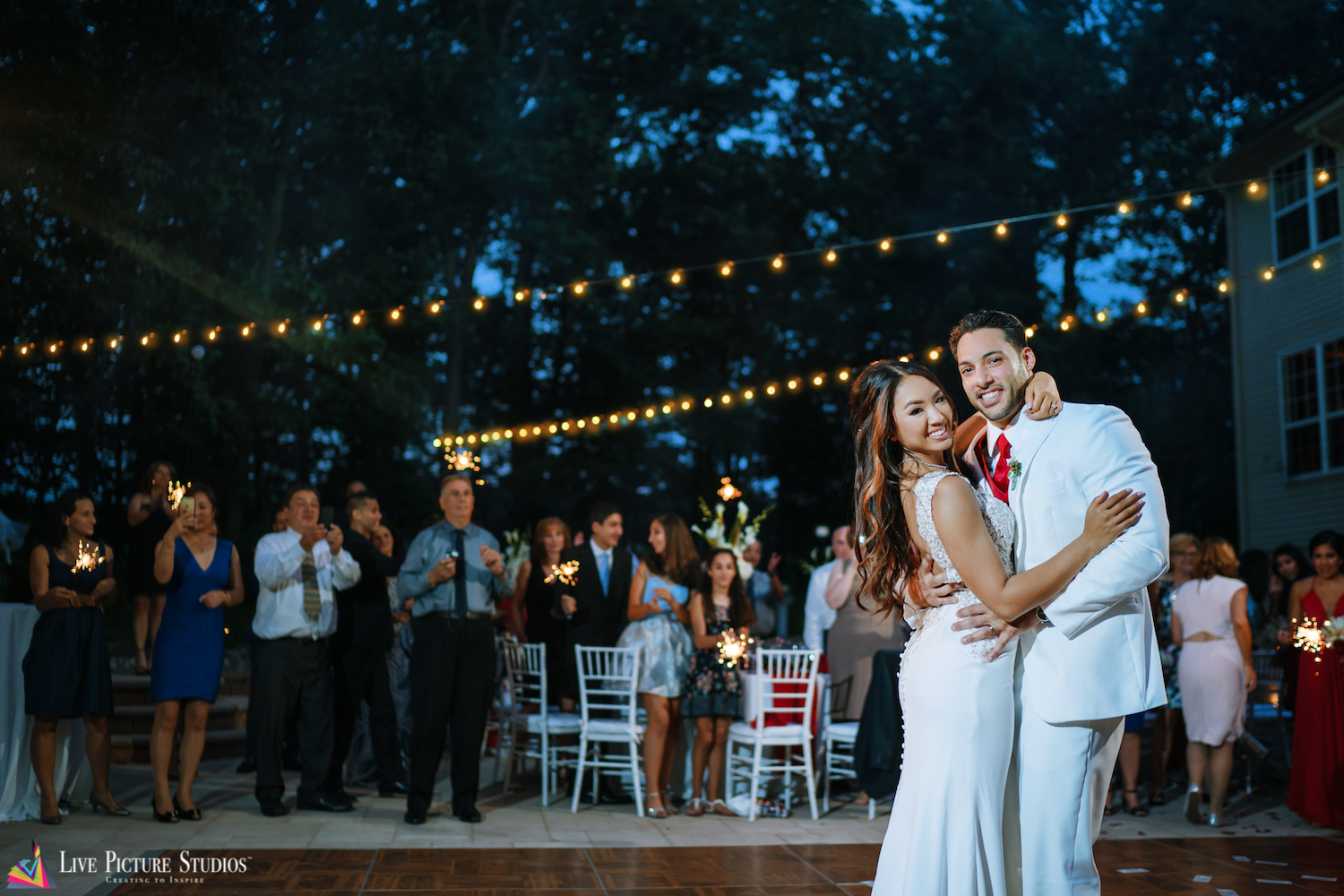 3 Tips from NJ & NYC Wedding Photographers for Planning a Backyard Celebration