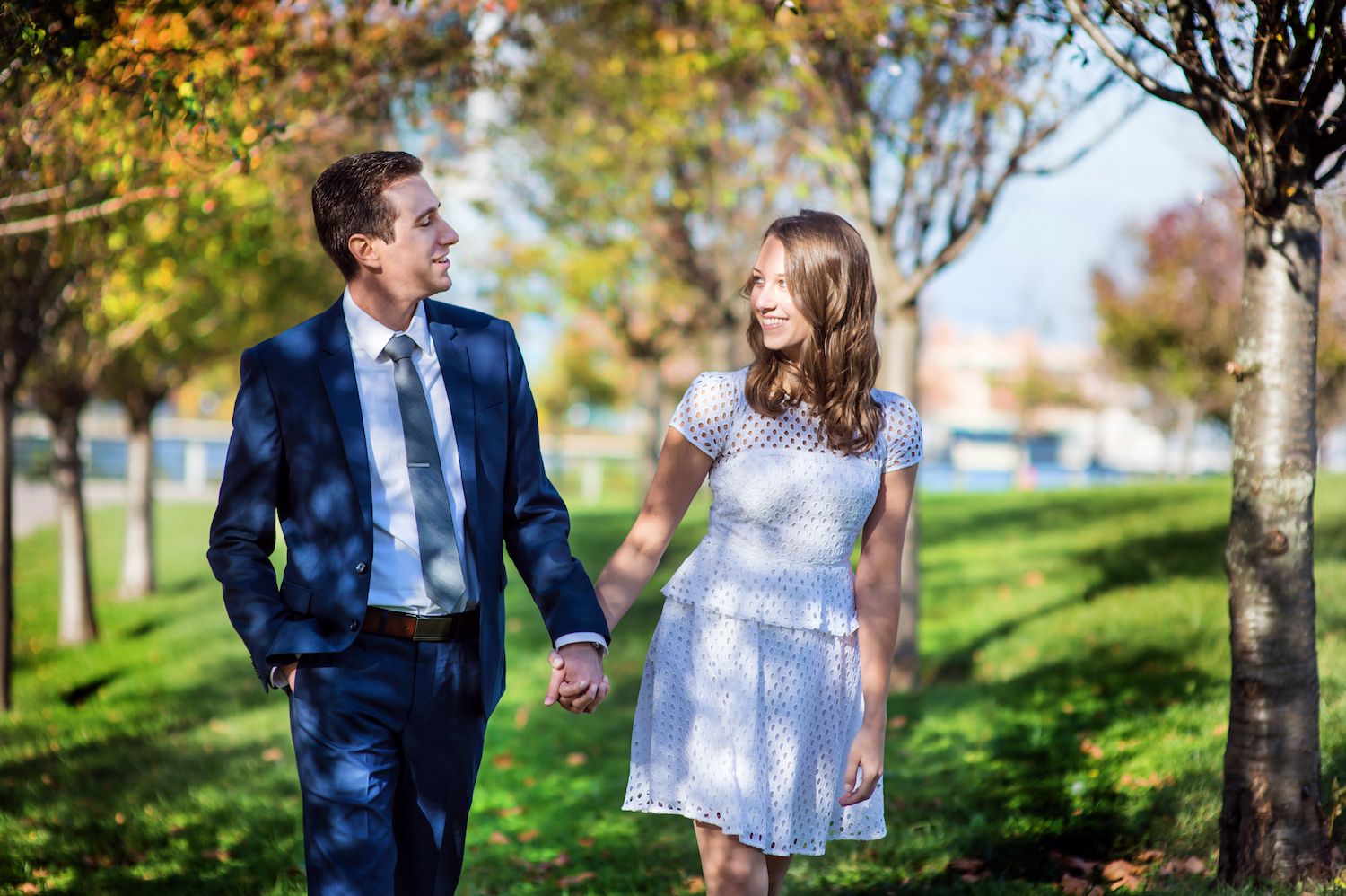 diana&dave-walking-hand-in-hand-park-engagement-photography-nj