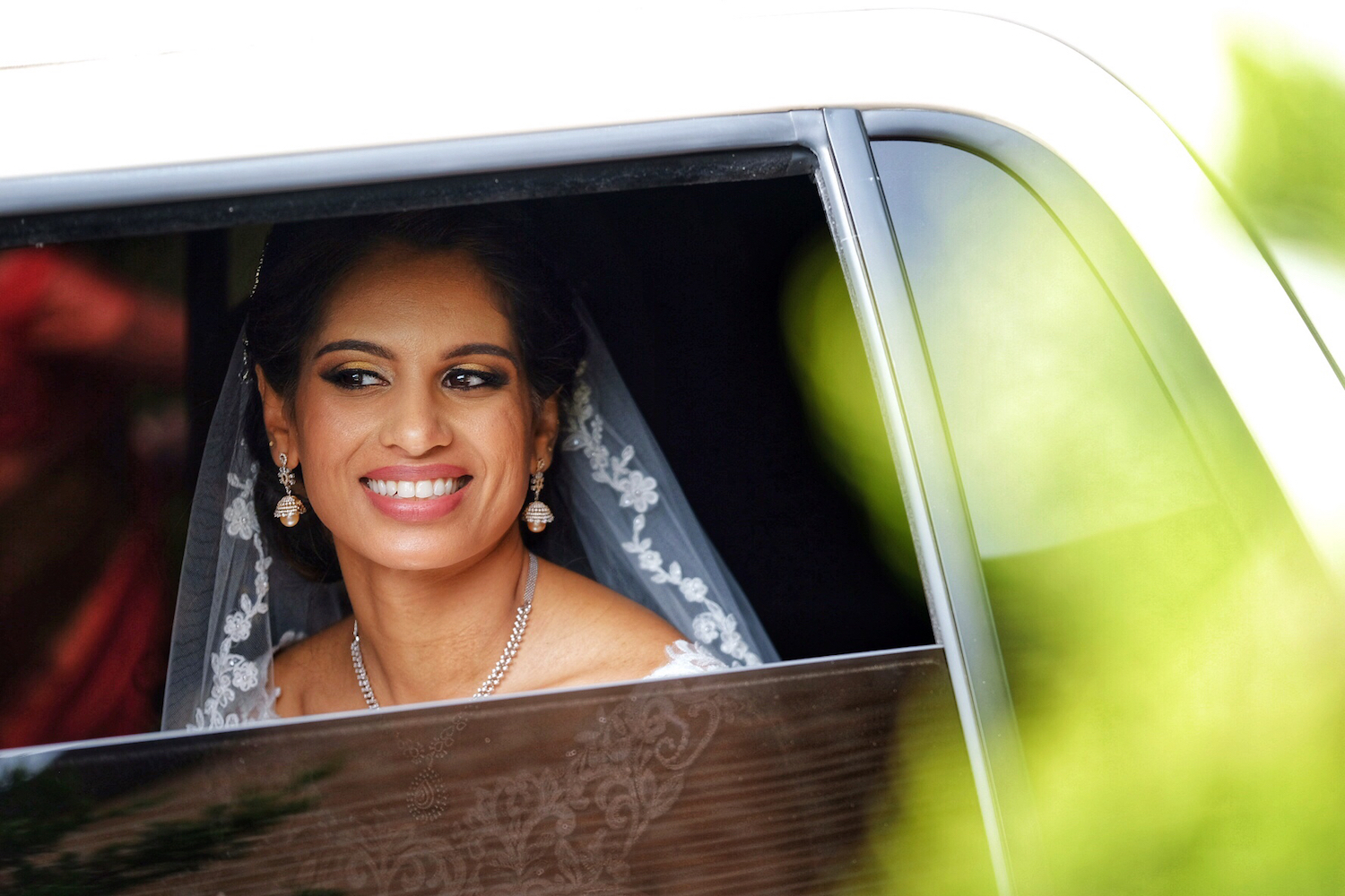 ny-wedding-photographers-neha&binu-bride-car