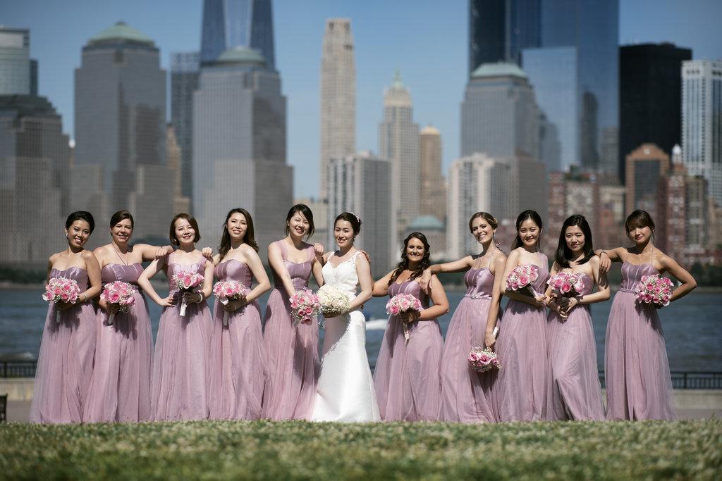 nj-wedding-photographers-xiaoyi&anthony-bridesmaids-outside-against-nyc-skyline